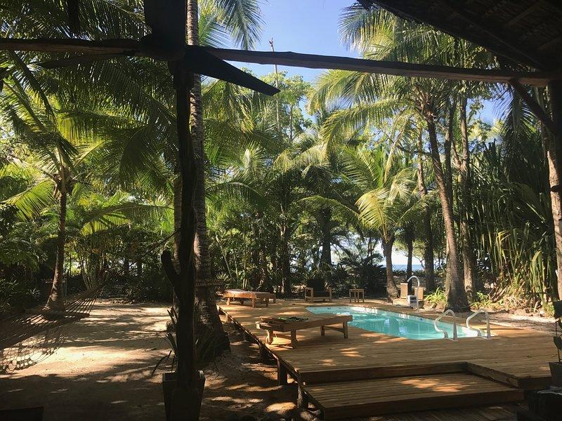 piscina privata in cortile