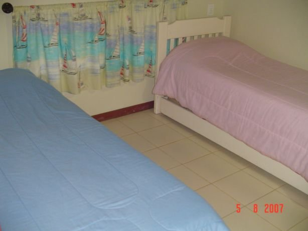 03 room with two beds, air conditioning and fan