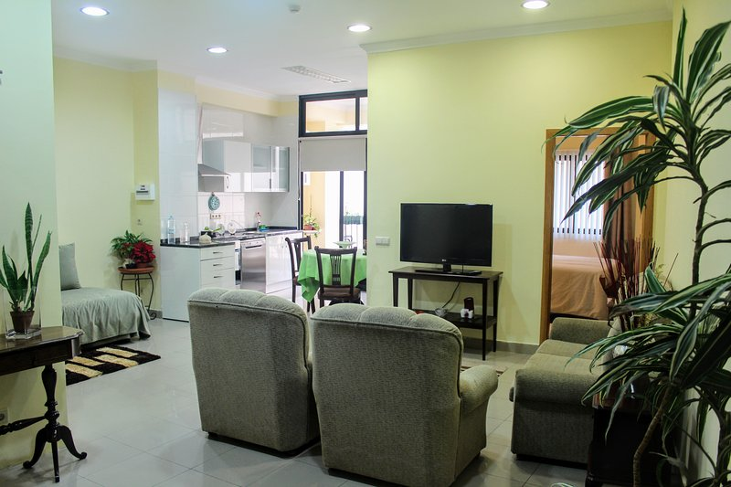 Ideal location in historic downtown, vacation rental in Funchal