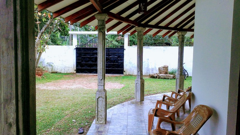 Villa Happy Home, holiday rental in Induruwa