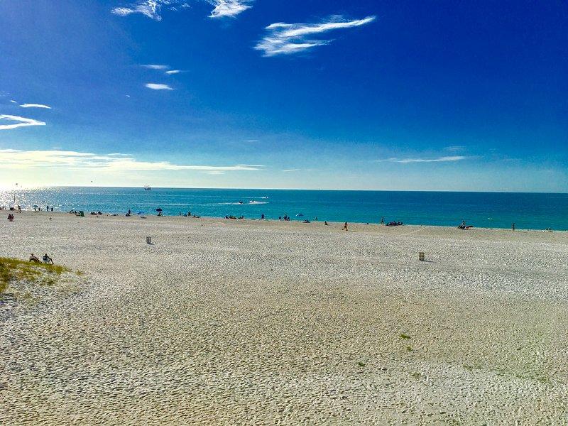 Regard vers le sud à partir de Accès à la plage