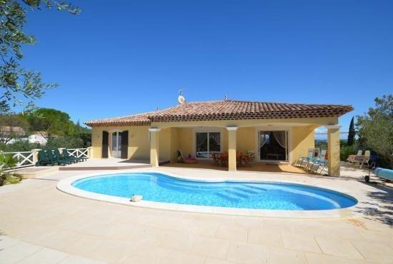Amazing villa with swimming-pool, location de vacances à Gonfaron