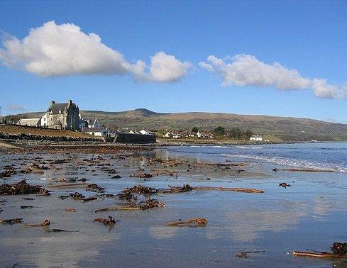 Ballygally Castle e la spiaggia sono meno di un miglio di distanza.