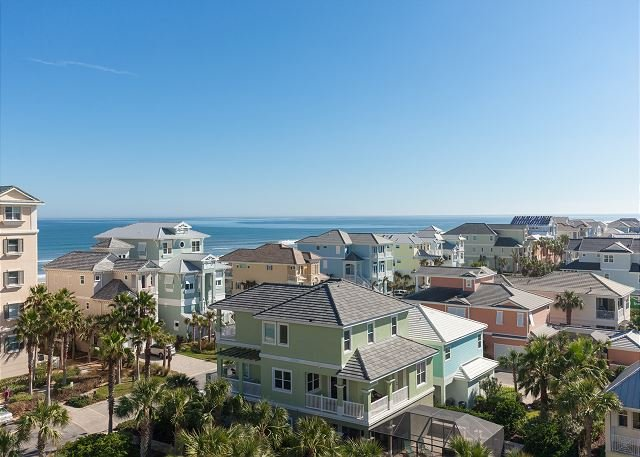 Unit 961 - Top floor beauty with lake and ocean views!!, holiday rental in Palm Coast