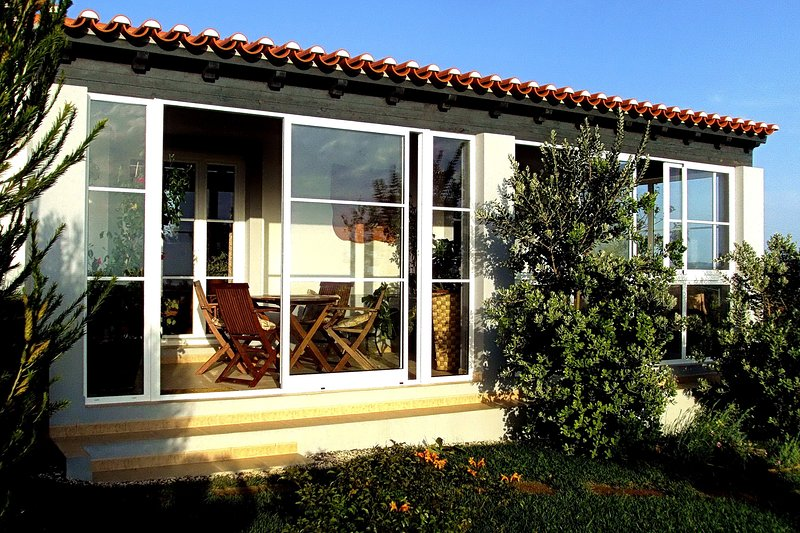 CASA PAVÃO - Exclusive Home Away from Home with Pool in Botanic Garden Setting, vacation rental in Odemira