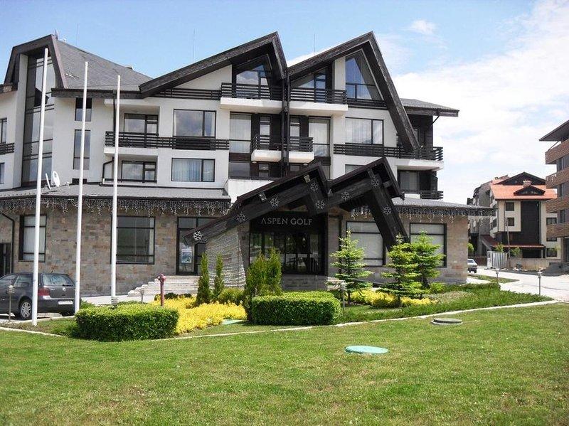 Aspen Golf Resort Bansko Studio Flat, holiday rental in Razlog