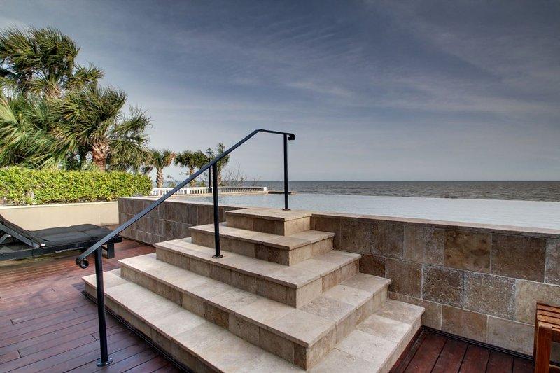 Oceanfront Home w/ Infinity Pool Overlooking Beach
