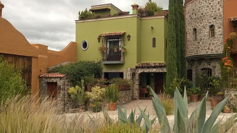 Casa Adriana in the Heart of San Miguel De Allende, location de vacances à San Miguel de Allende