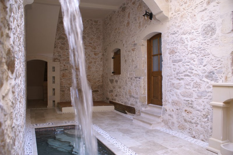 Heated spa pool on the ground floor of Villa Kamares, next to our Selene apartment