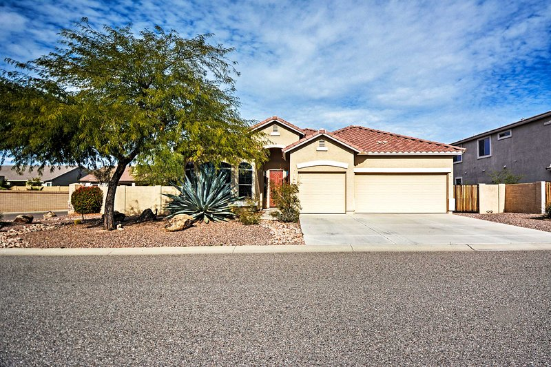 This pristine house is just 10 minutes away from the Gold Canyon Golf Resort.
