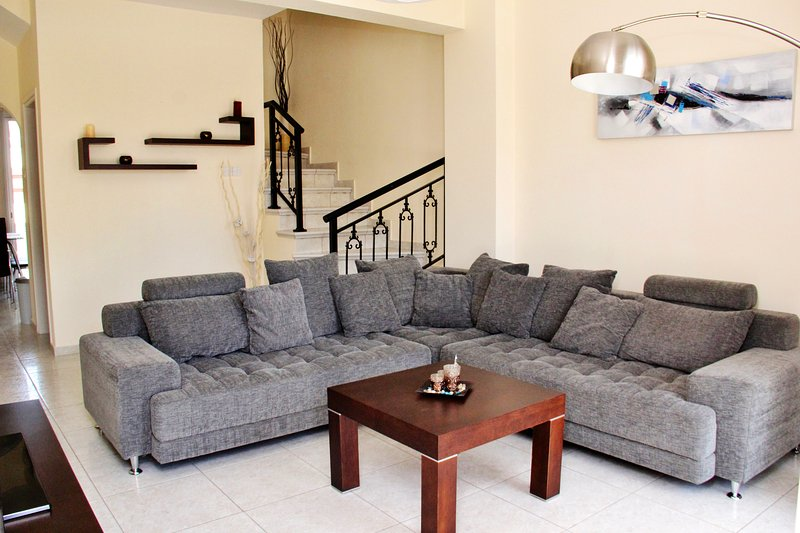 Diana Townhouse, vacation rental in Paphos
