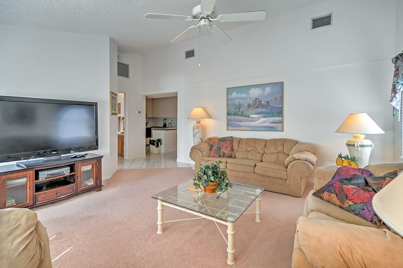 Escape to paradise at this Holmes Beach vacation rental condo!