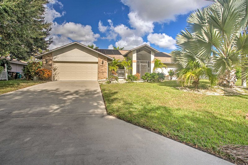 For the ultimate Florida getaway, escape to this 3-bedroom, 2-bathroom Cape Coral house!
