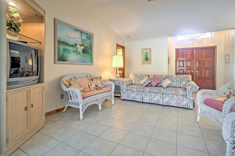 Gather together in the inviting living room to enjoy quality time with your travel companions.