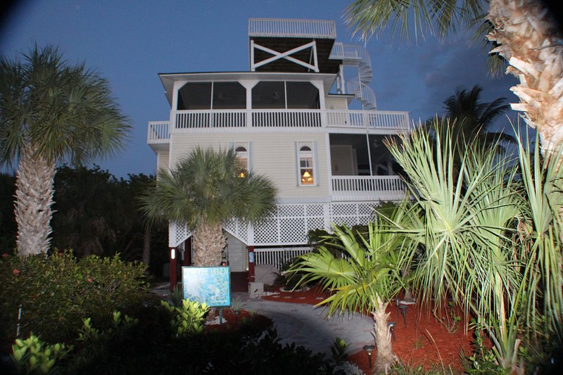 Front view of Manatee Haven at dusk