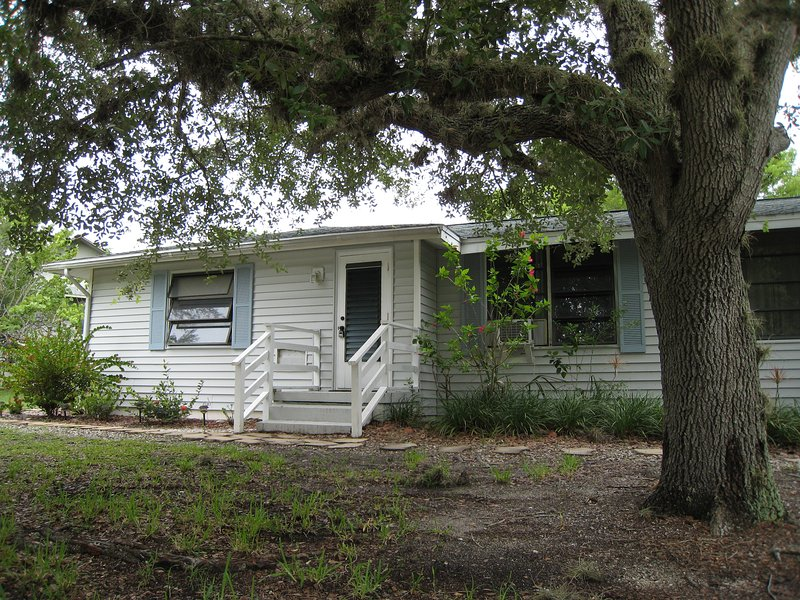 Sweet Beach Cottage on East End of Sanibel, holiday rental in Sanibel Island