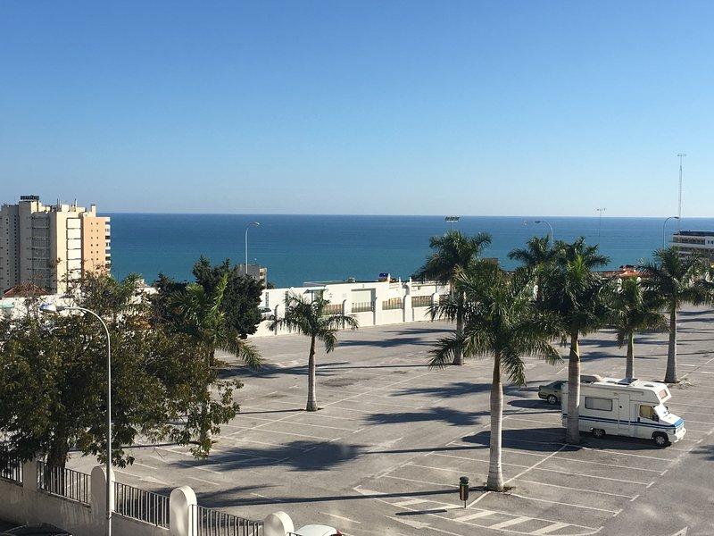 Apartamento Torremolinos 1 dormitorio con magníficas vistas al mar, holiday rental in Torremolinos