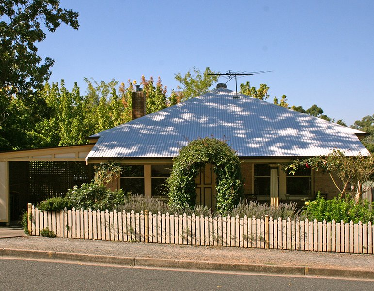 Oats Cottage, Central Hahndorf, holiday rental in Strathalbyn