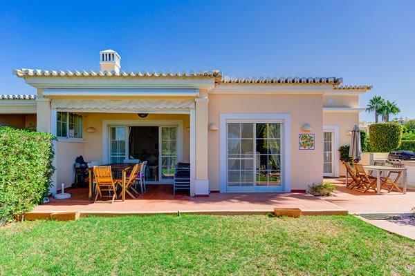 Villa de 4 chambres avec jardin