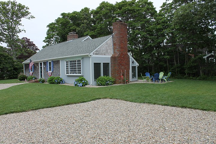 Bright and Sunny Cape Cod Cottage, walk to ocean, vacation rental in Falmouth