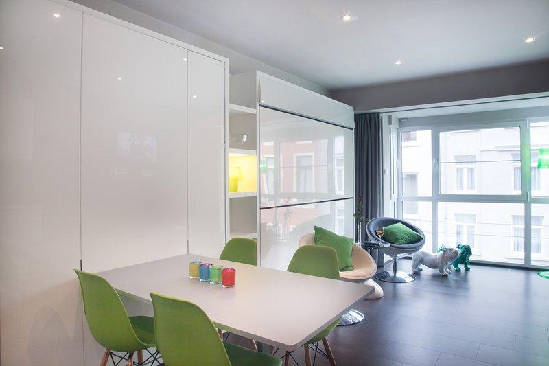 Studio second floor AtGhent, vacation rental in Lokeren