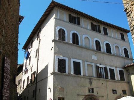 facade of the Palazzo Mainardi