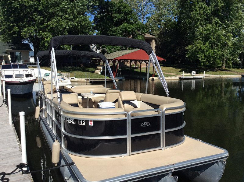 High end Pontoon available for rent at additional cost, contact owner for details, availability and