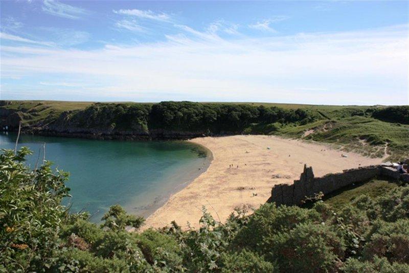 Award 'Barafundle' Beach zu gewinnen ist eine kurze Autofahrt entfernt.