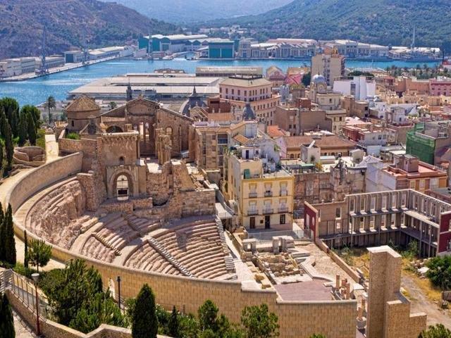 Cartagena es un puerto y sus numerosos restos romanos