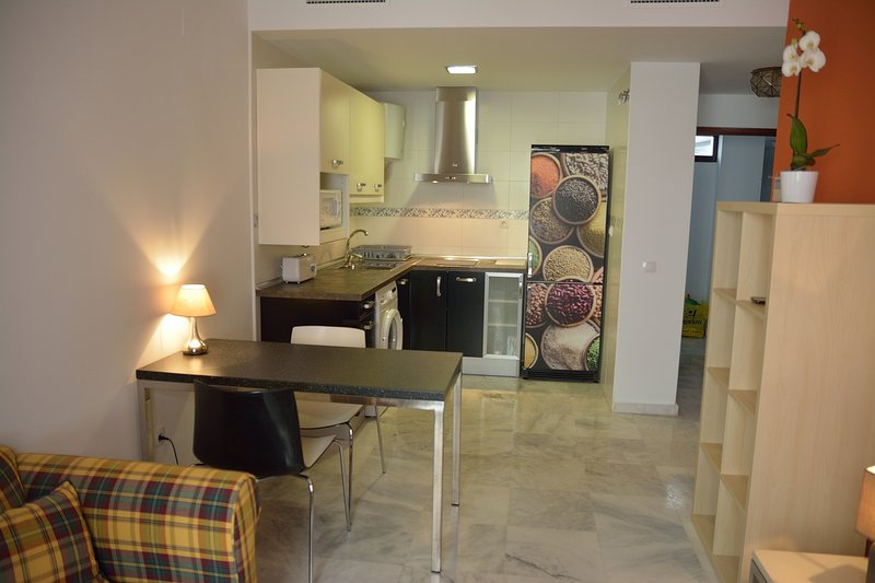 Apartamento Jerez Centro con parking opcional, holiday rental in Jerez De La Frontera