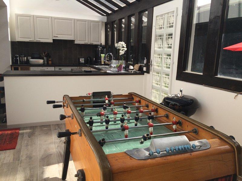 Küche und Tischfußball