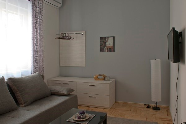 Novi Sad apartmani Forget Me Not -grey, vacation rental in Novi Sad
