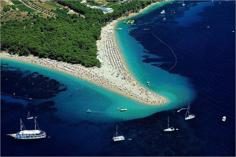 Or île corne de plage Brac 20 min de Split en catamaran