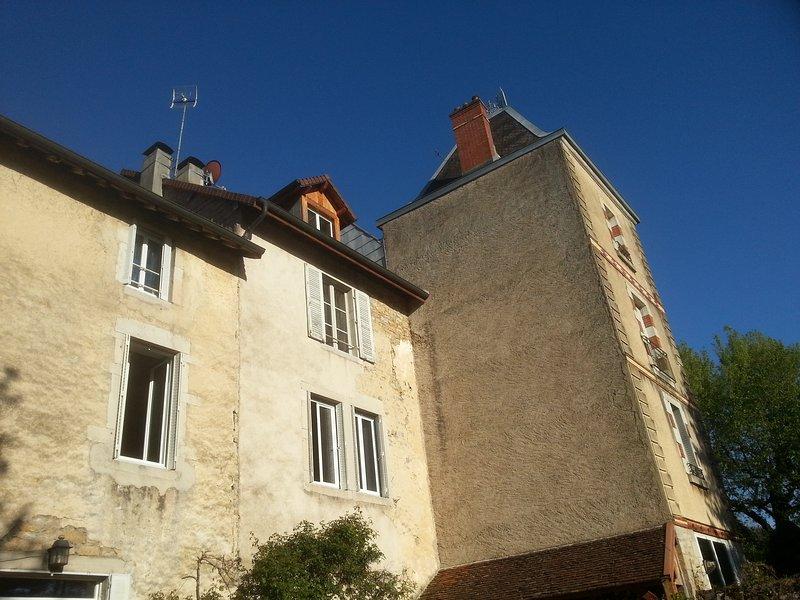 Gîte 2 Chateau de Feschaux, location de vacances à Geruge