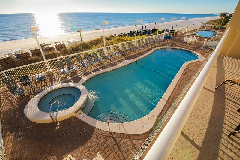 Last-Minute SPECIAL: Large Oceanfront Condo With Wraparound Balcony, 2nd Floor!, holiday rental in Panama City Beach