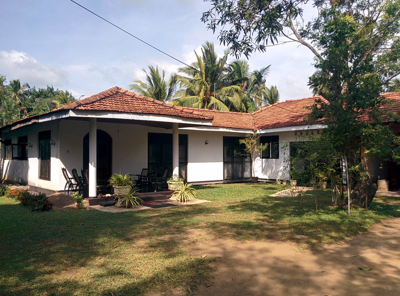 'Mango' The Transit Home, Ferienwohnung in Gampaha