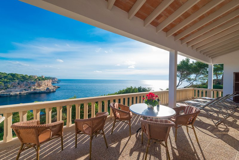 ES PONTAS - Villa for 8 people in Cala Santanyi, holiday rental in Cala Santanyi