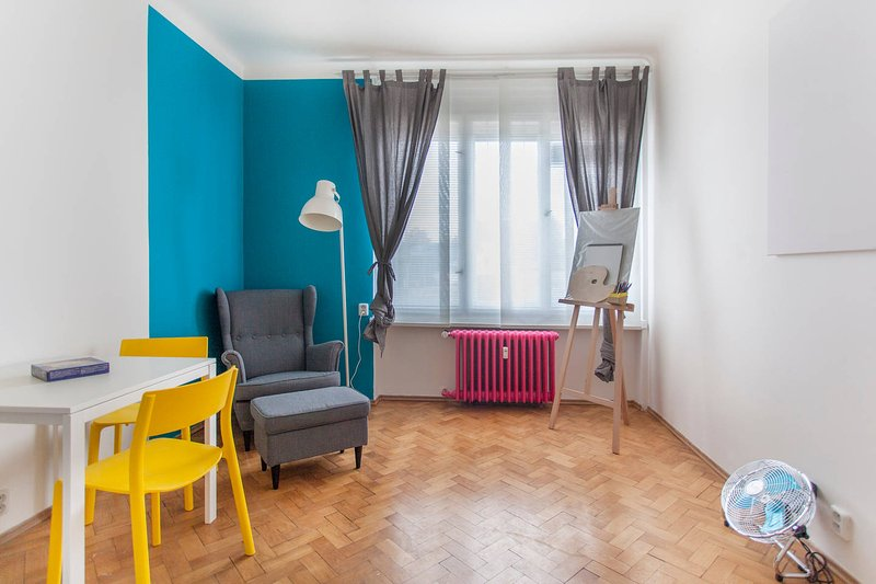 Cosy flat, next to city centre, holiday rental in Roztoky