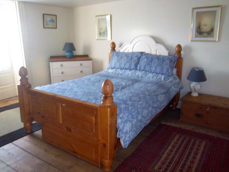 Bank House Holiday Cottage - Sleeps 4 - Pets Welcome - Peak District, vacation rental in Dorrington