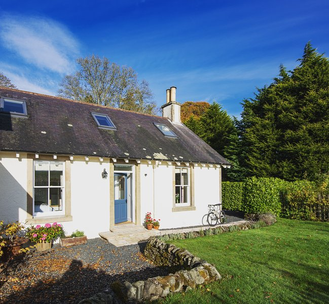 This charming little bolt-hole made just for two