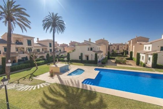 Luxury townhouse in Javea Port, private south-facing garden, outdoor & indoor pools and gym