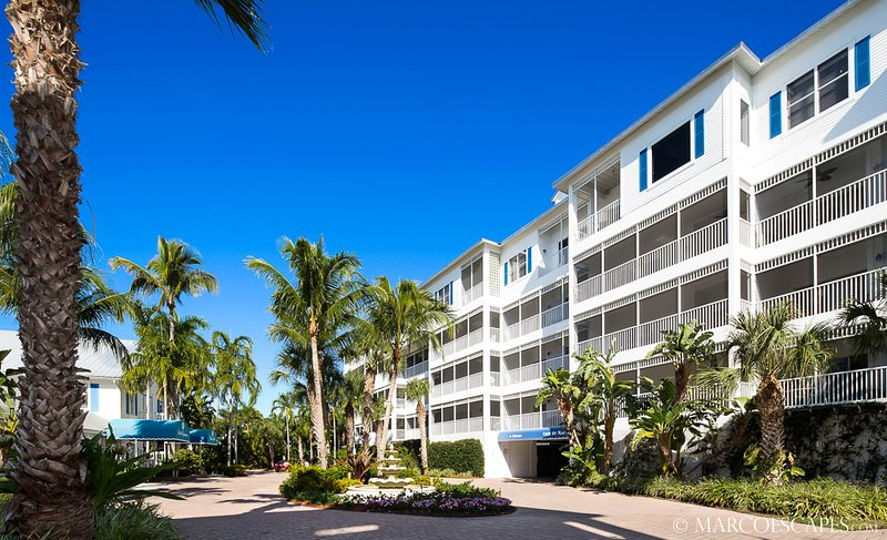 THE PENTHOUSE AT SOLEIL PLACE - Weekly Vacations Permitted!!, vacation rental in Marco Island