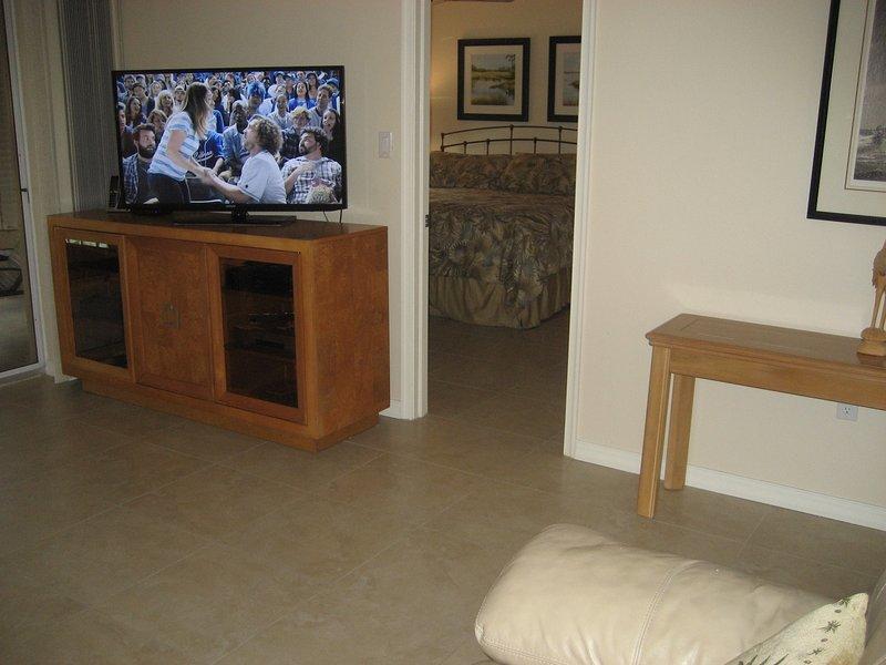 Sala de estar mirando en el dormitorio principal
