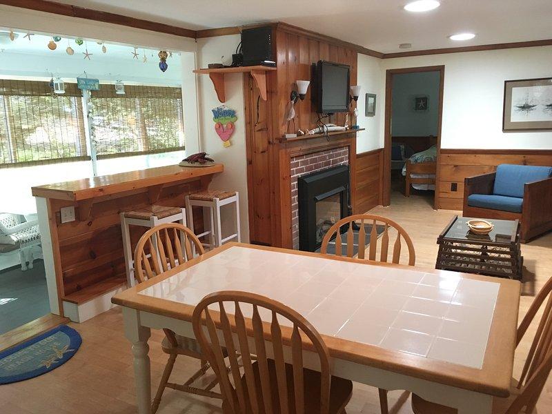 Salle familiale et table à manger