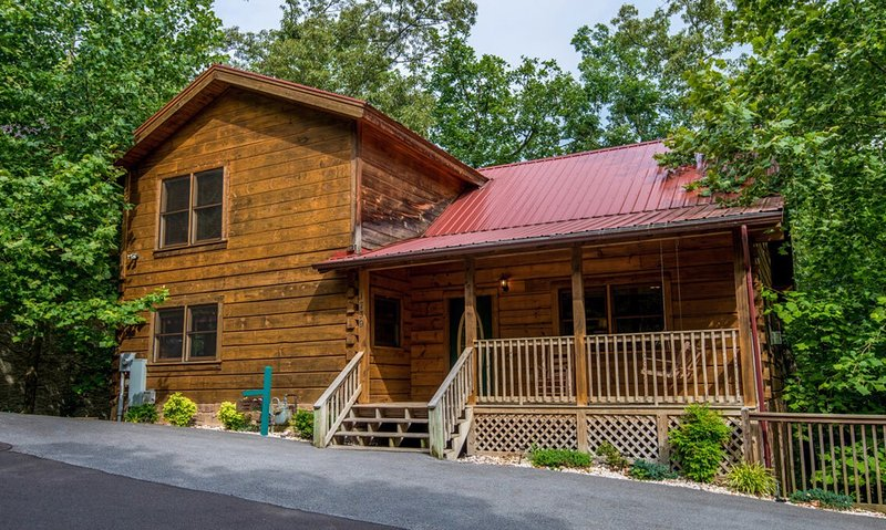 Log Inn Family cabin--the perfect Gatlinburg retreat!