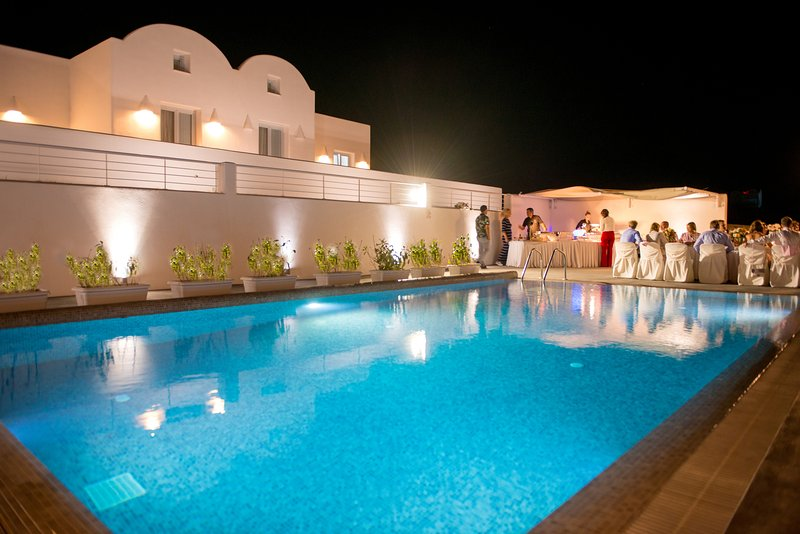 PRIVATE -SEA FRONT VILLA  WITH POOL  by Santorini Fira beach!, vacation rental in Monolithos
