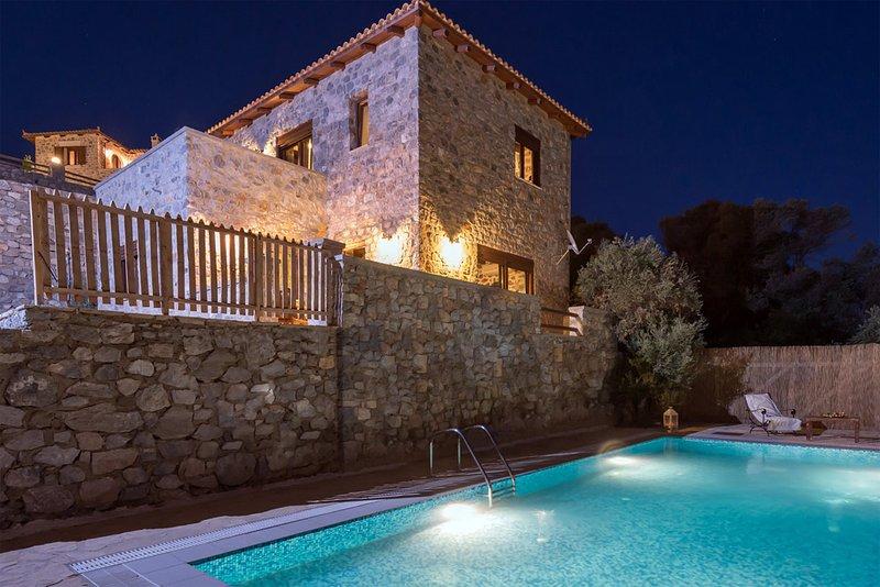 Villa Kamnikaria, holiday rental in Kerames