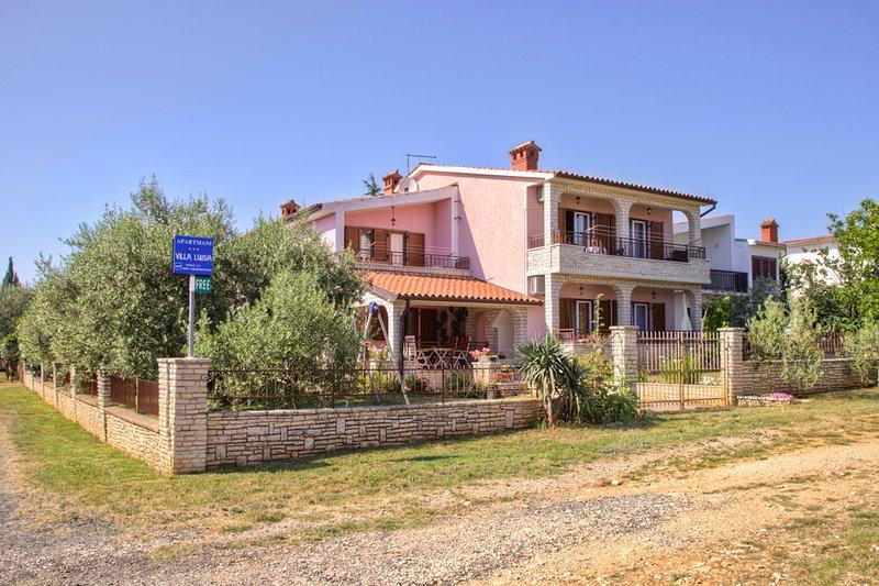 Villa Luisa holiday house, location de vacances à Peroj