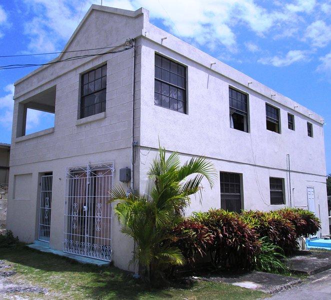 Juliandra - Apartment on South Coast of Barbados, alquiler de vacaciones en Dover