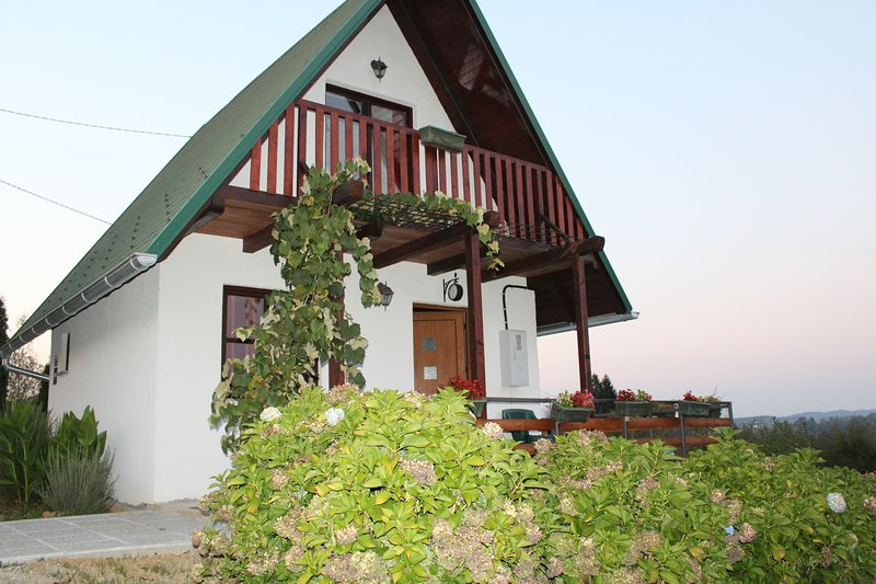 Rustically house Klen, holiday rental in Generalski Stol